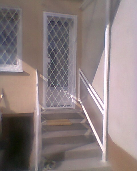 ajtórács-ablakrács-biztonsági-rács-100