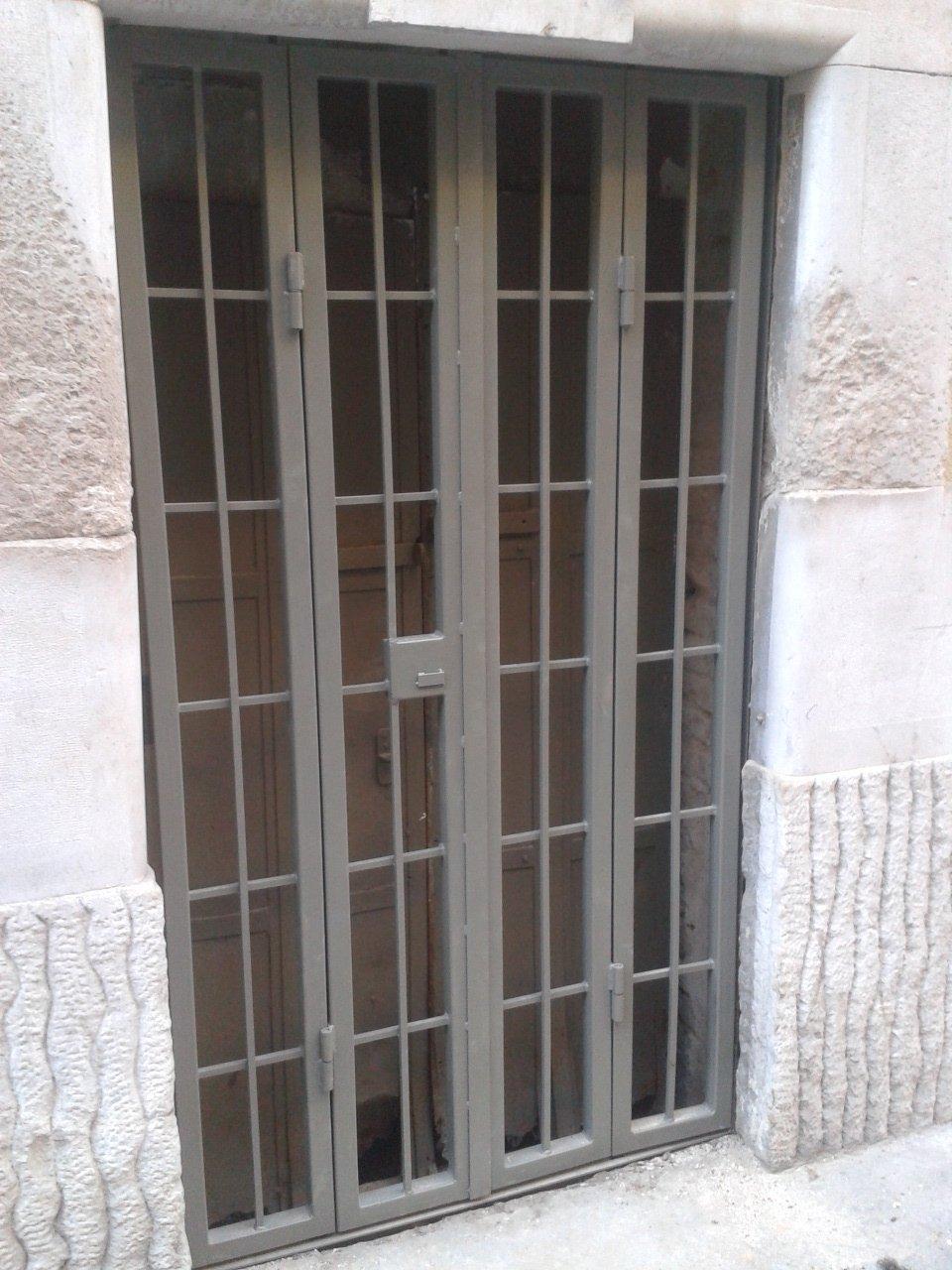 Harmonika biztonsági ajtórács
