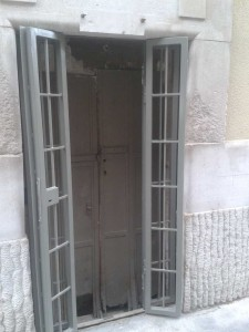 biztonsági rács harmonika ajtós