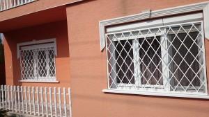 rombusz mintázatú ablakrács 2