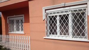 rombusz mintázatú ablakrács 1