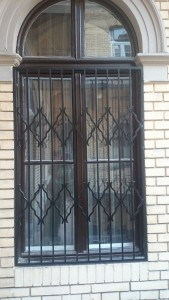 ablakrács appartmanházra 3
