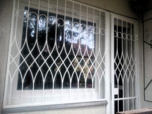 egyedi-biztonsági-ablakrács-2